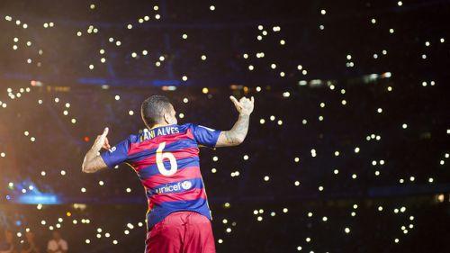 Goal: Dani Alves podpisał kontrakt z Juventusem