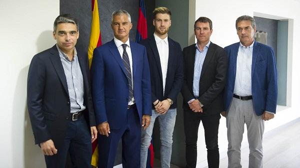 Adrián Ortolá przedłużył kontrakt