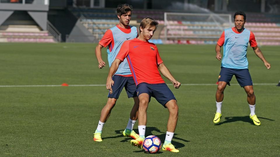 Kolejny dzień treningów w Ciutat Esportiva