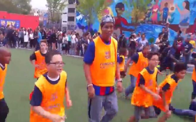 Ronaldinho błyszczy na Bronxie w wyprawie Barcelony do Nowego Jorku