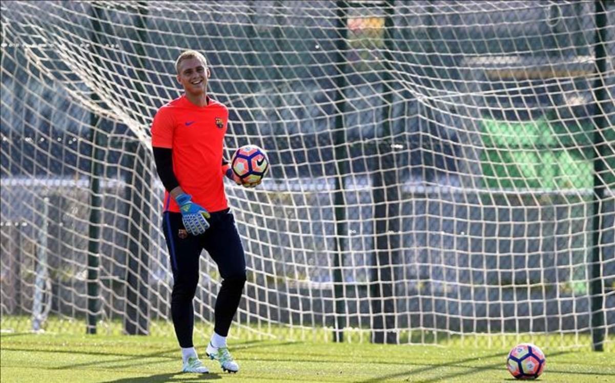 Jasper Cillessen może zadebiutować w Barçy po zaledwie 3 treningach