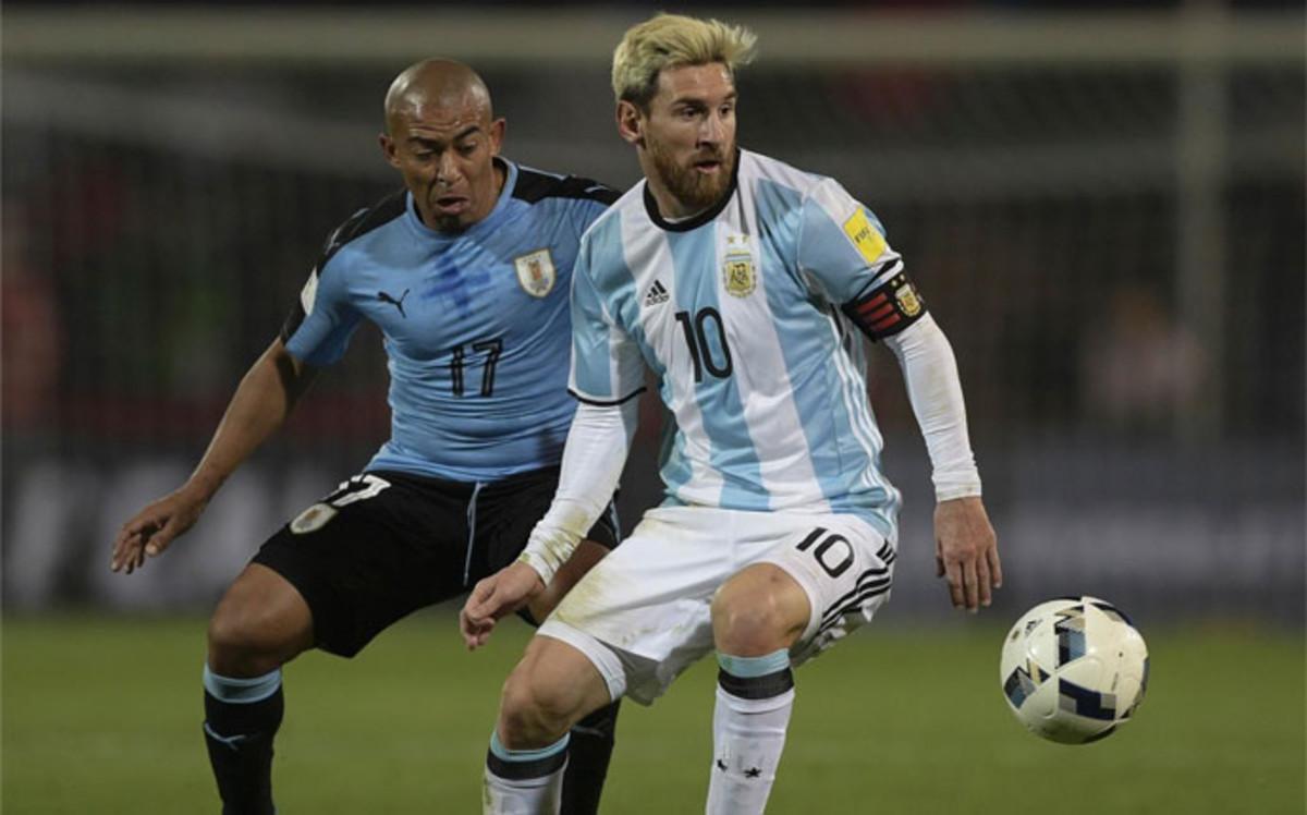 Messi: Odczuwam ból w okolicy kości łonowej