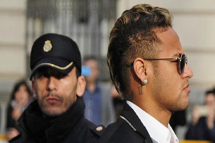 Firma DIS żąda więzienia dla Neymara