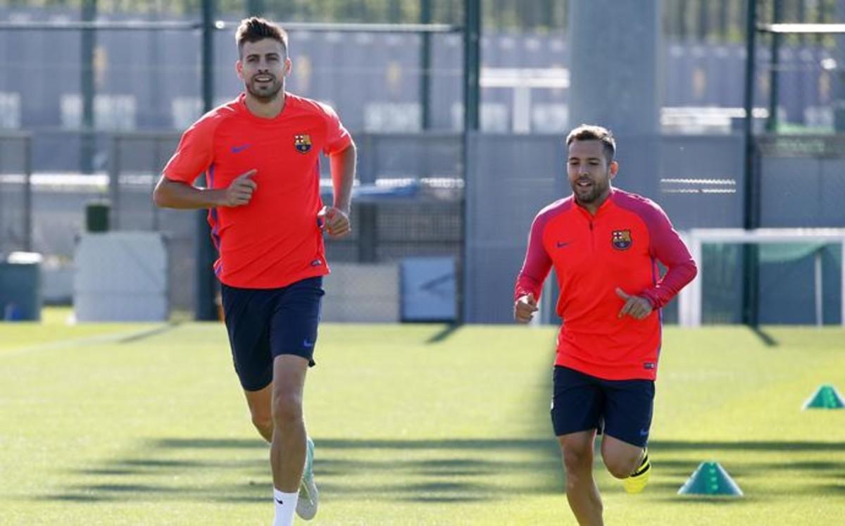 Piqué i Alba nie wrócą na mecz z Sevillą