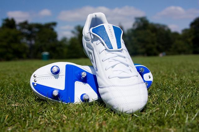 Wyposażenie piłkarza, czyli 4 rzeczy, których nie może zabraknąć zawodnikowi