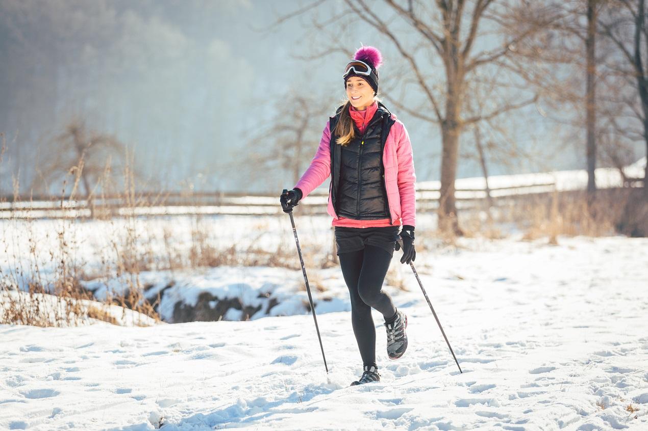 Jakie są różnice między kijkami do trekkingu a nordic walking?